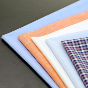 Samples of fabrics of pure cotton, mixed linen, elastane or other fibres to create clothing of unbeatable comfort.