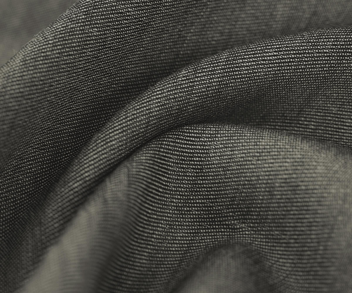 Fabric in pure combed wool